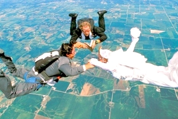 весілля на парашутах