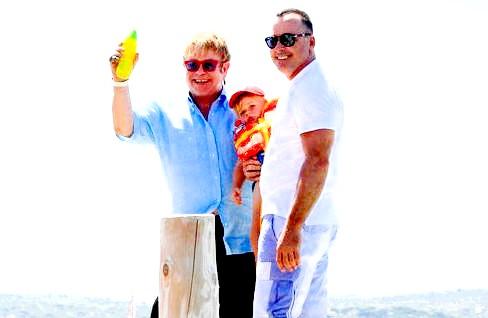 Елтон Джон стане татом вдруге фото