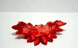 Шпильки для волосся з квіткою в техніці канзаши. Майстер клас з покроковий фото фото